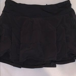 LULULEMON black ruffle skirt built in shorts